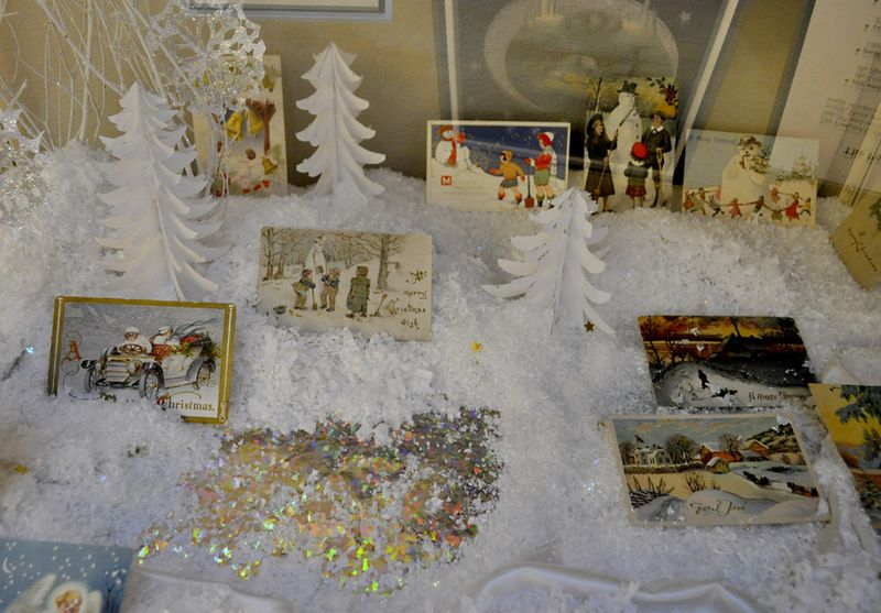 Christmas Card display 10