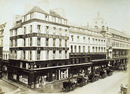 Le_Bon_Marché_department_store_in_Paris_1867