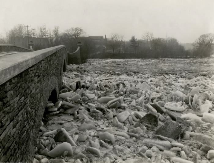 1929 Humber River, looking west from the bridge between Catherine St. & Old Mill Rd., Toronto, Ont.