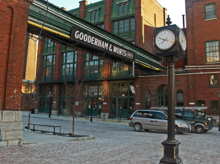 Distillery_District,_Toronto,_Canada,_2006