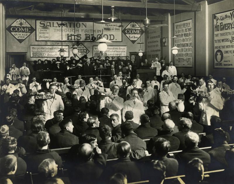 Feeding Over 350 Men at the Sunday Morning Free Breakfast 1912 vintage photo Yonge Street Mission