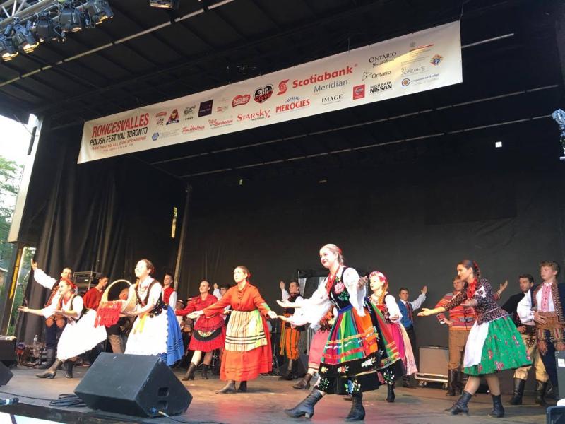 Polish Festival folk dancers 2016