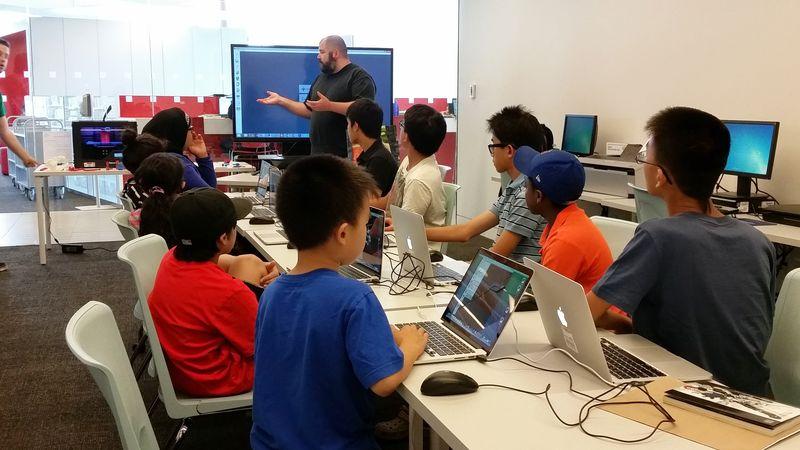 Derek teaching a 3D Print class