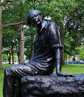Al Purdy statue