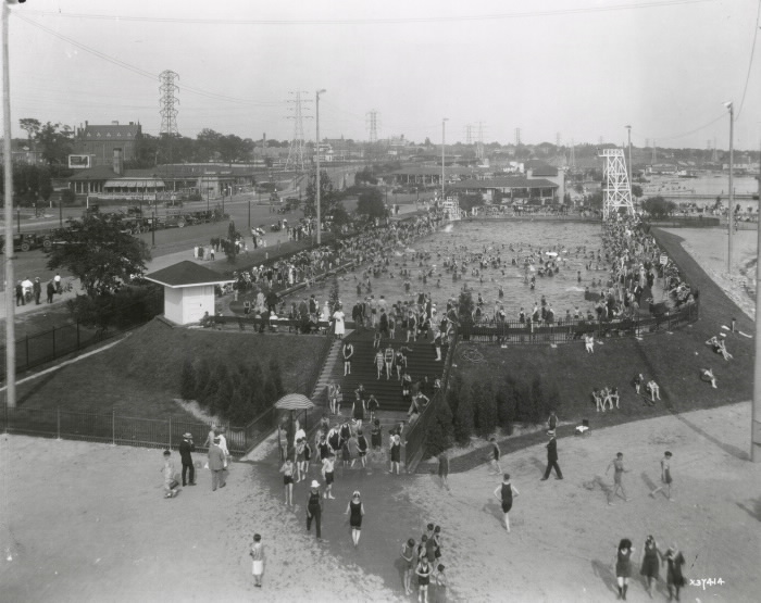 Sunnyside, swimming pool, looking east September 1925