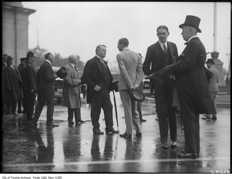 C.N.E., Prince's Gate Prince George and Sam Harris talking August 30, 1927 Toronto Archives Globe and Mail fonds Fonds 1266, Item 11385