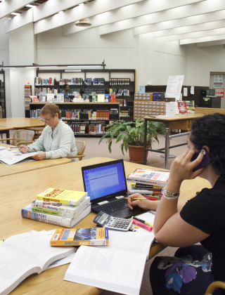 how to become a library technician in ontario