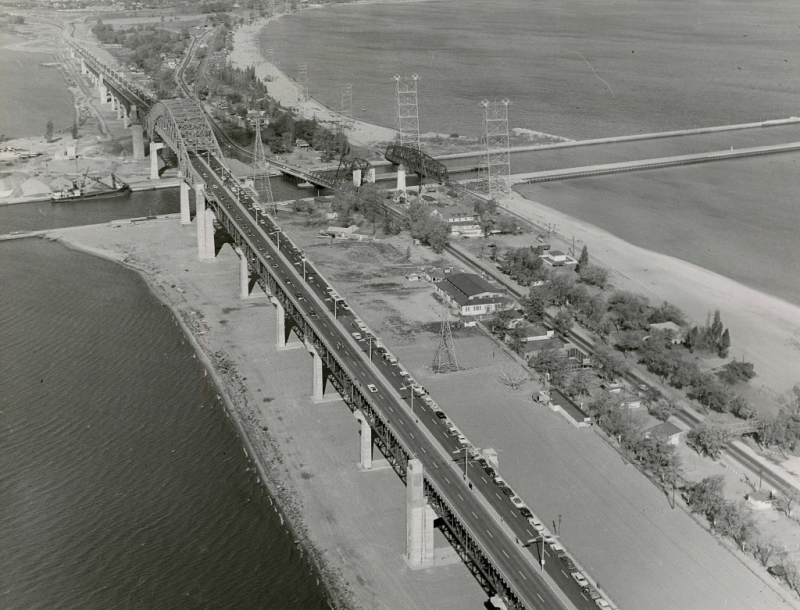 Aerial photo of the $19 000 000 Burlington Bay Skyway