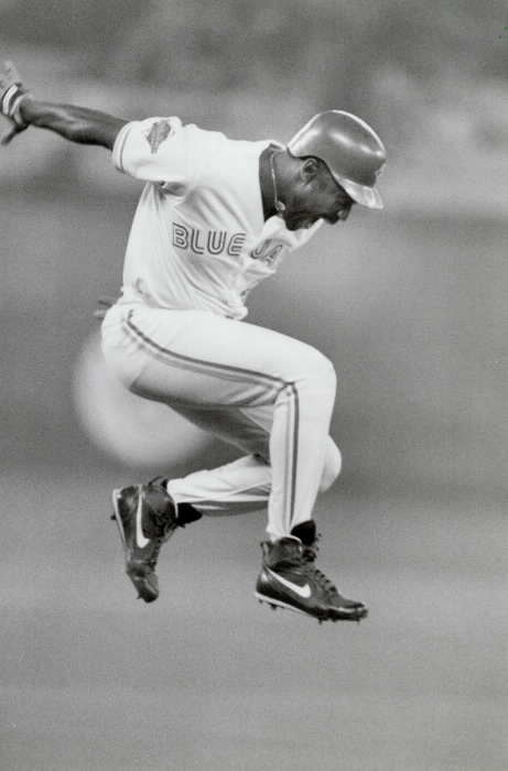 Joe Carter hits 1993 World Series Winning Homerun