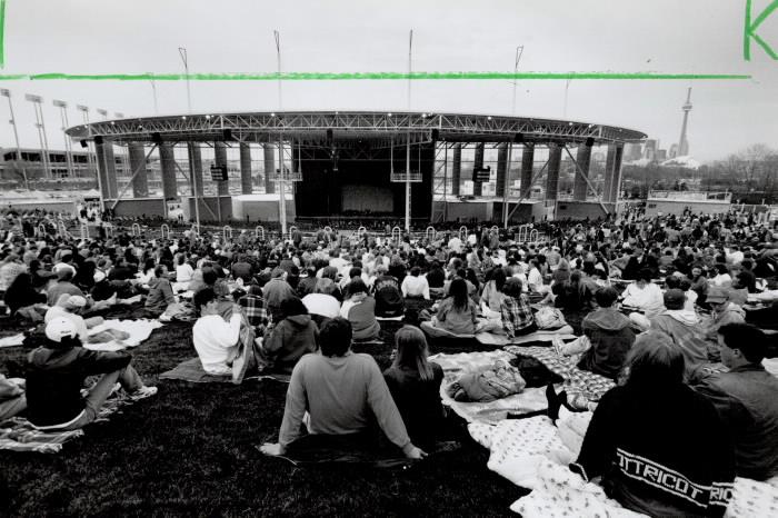 1995 photo Molson amphitheatre