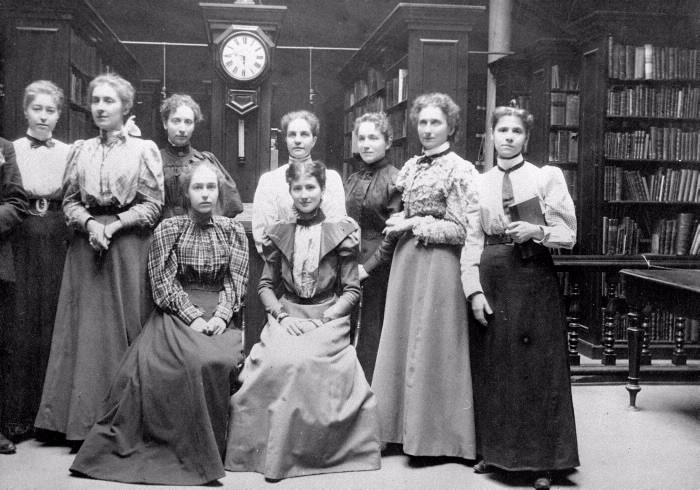 1895 photo of Toronto Public Library staff at the Mechanics Institute  Church St.
