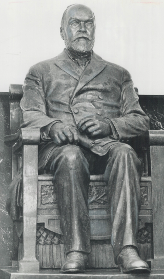 Timothy Eaton statue - believed to bring good luck if you rub the foot - 1976 Toronto Star Photograph Archives