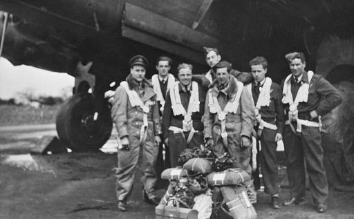 Mynarski Lancaster Crew KB726