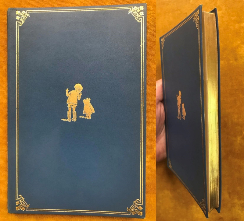 Cover and gilt edges of Winnie-the-Pooh deluxe edition