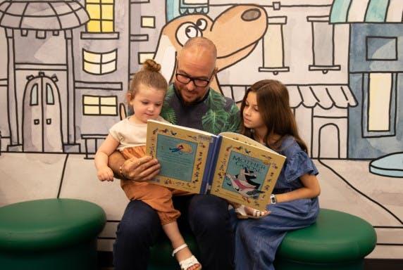 Family reading (2)